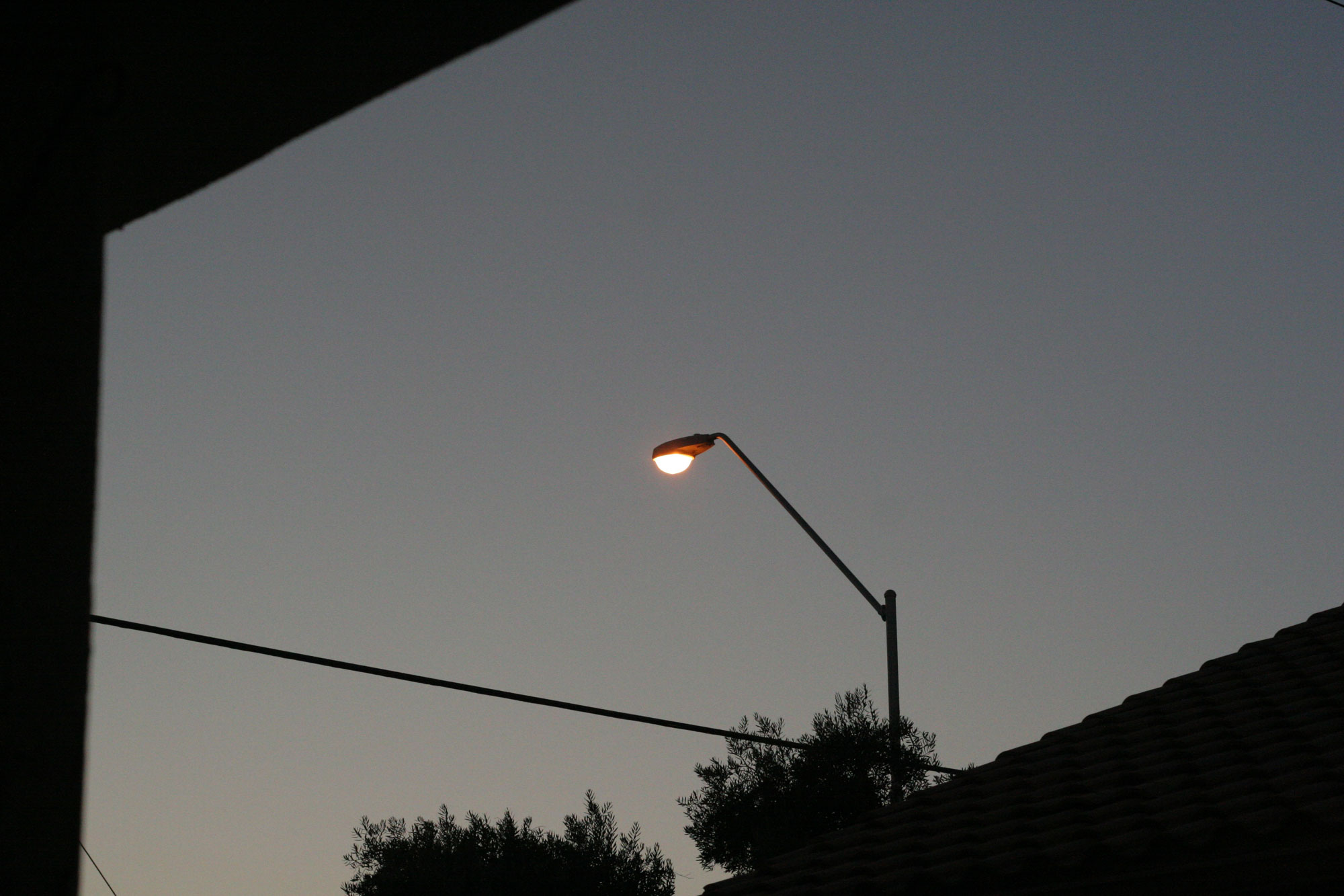 Light pole shot from 50mm lens.