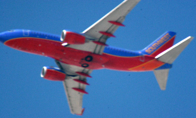 Southwest plane, handheld shot with 500mm