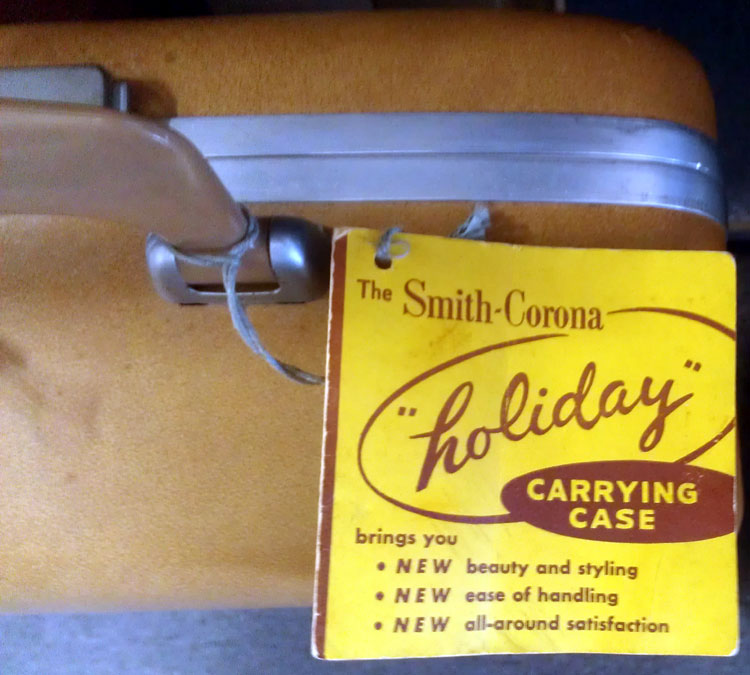I didn't know that Smith-Corona had a special name for these tan, Samsonite-like typewriter cases, which I normally see 5TE Electrics in. Sometimes you find manual Super-5's in 'em, though, and this one at MTE still had it's key and instruction booklet attached.