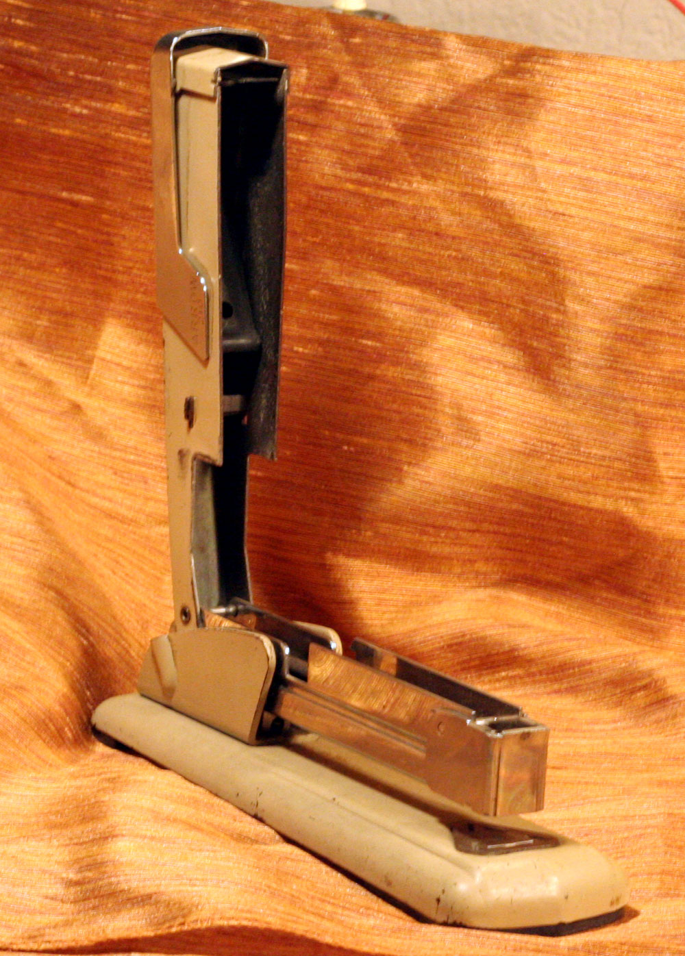 IMG 7297 Stapler of The Week: 1950s Arrow 210