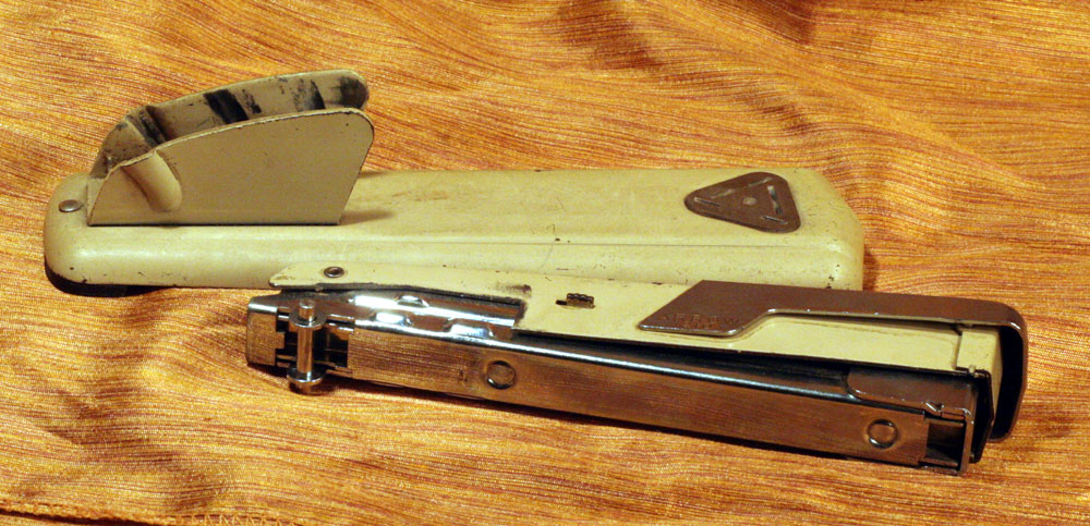 IMG 7301 Stapler of The Week: 1950s Arrow 210