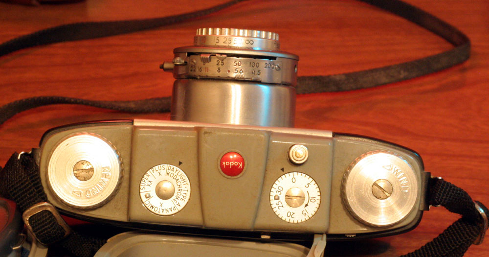 """Top knobs, film wind, film rewind, frame counter (you manually set it to """"0"""" after loading film) and a dial that's not hooked to anything, but you're supposed to set it to remind you what film is loaded. All the options listed are long discontinued."""