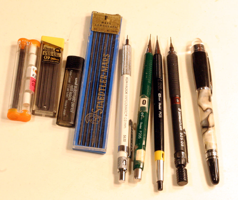 The Five that stood out from the crowd. Oddly, all these fine mechanical pencils are sized 0.5mm, and the leads are all 0.9mm