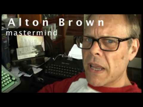 Alton Brown, Mastermind, with his Hermes 3000 and 1940's Smith-Corona Portable. Add to that his new SM7, and he's starting to look like he's got the bug bad!